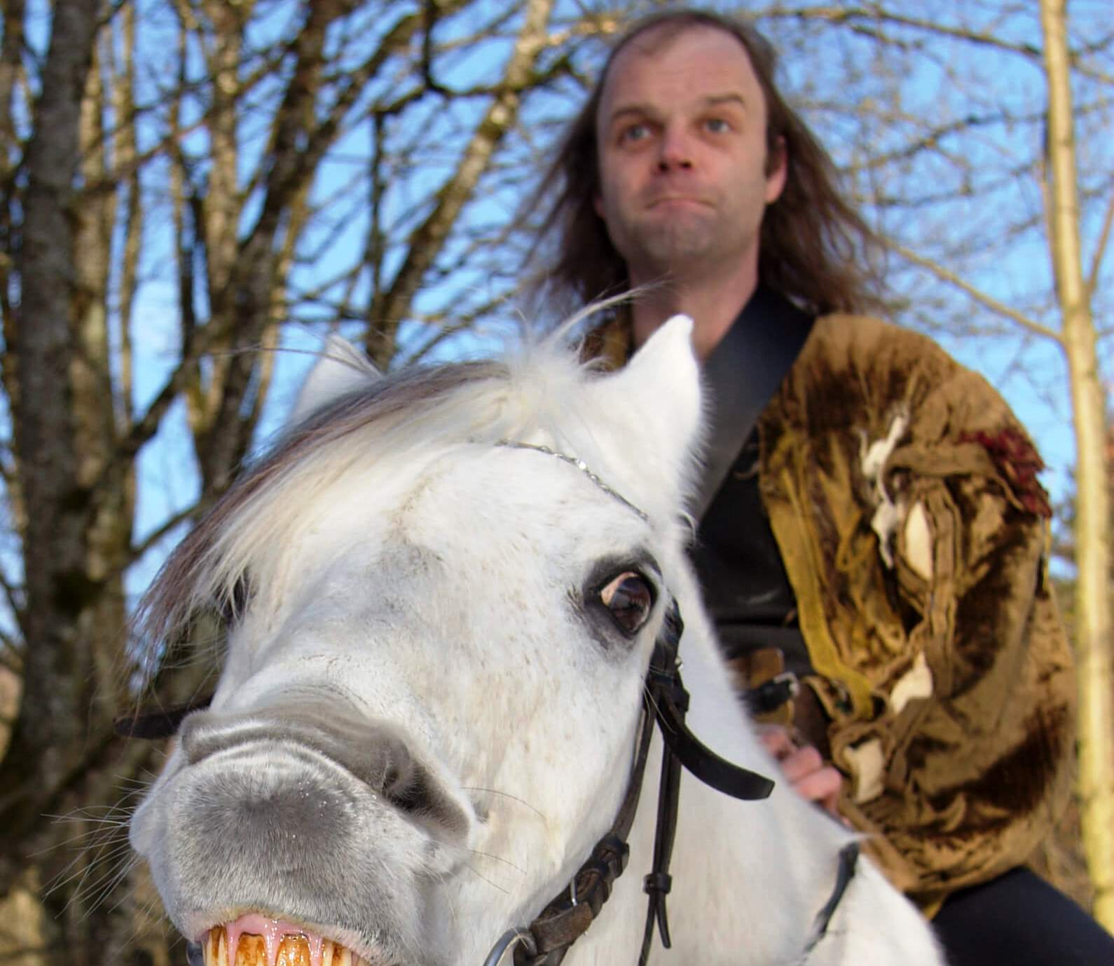 """Die lustige Abenteuerreise in einer neuen Fassung über """"Blondel"""", den Jugendfreund des Richard Löwenherz geht weiter.  Er hat geschworen, nicht eher zu ruhen, bis er seinen im Jahre 1192…"""